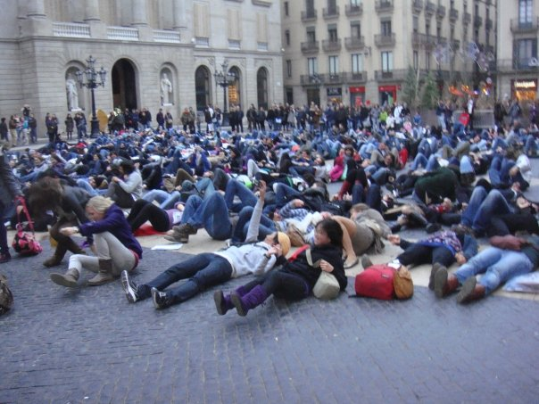 Freeze! Flashmob Marathon in Barcelona, Spain   World Tag