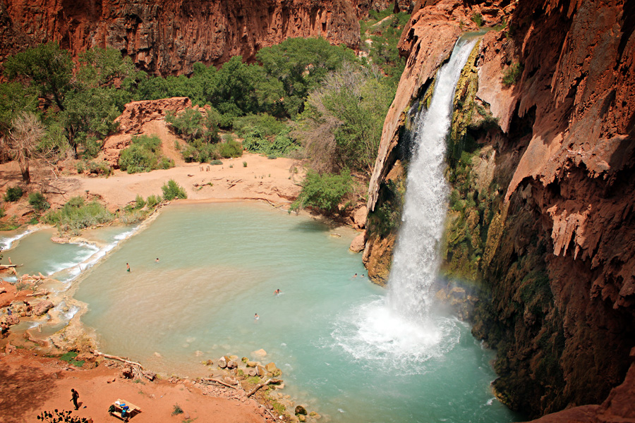Would you Hike 10 Miles to See Waterfalls? Havasu Falls – Grand Canyon, AZ