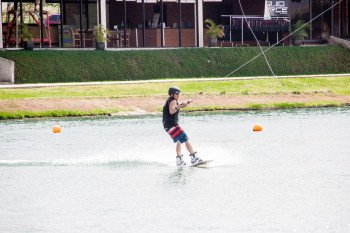 wakeboarding-more-fun-in-the-philippines-0504-27